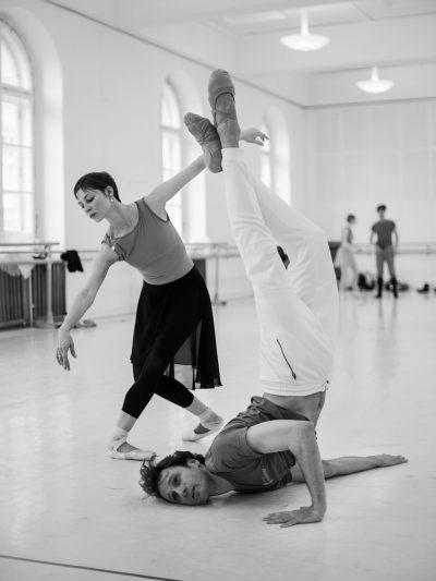 Bach Suite/ ch.John Neumeier, with Maria Yakovleva, photo Ashley Taylor